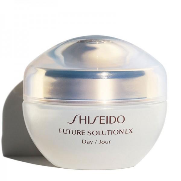 Future Solution LX Day Cream SPF20