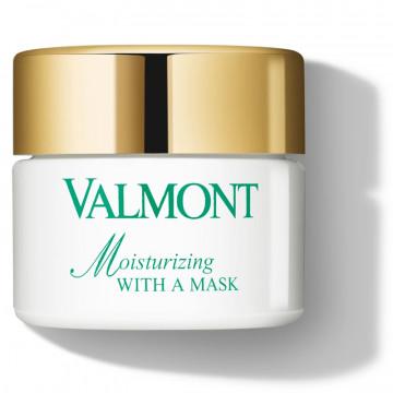 Moisturizing with a mask